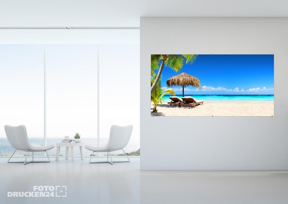 Acrylglasfoto mit Palmenstrand-Motiv