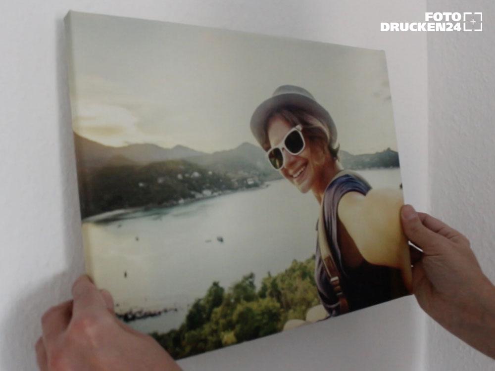 Beispiel für Wandmontage Fotoleinwand